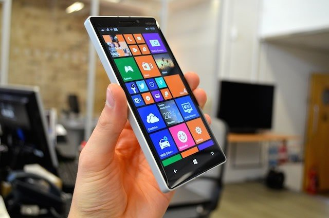 Nokia-Lumia-930-Review-mobitecno