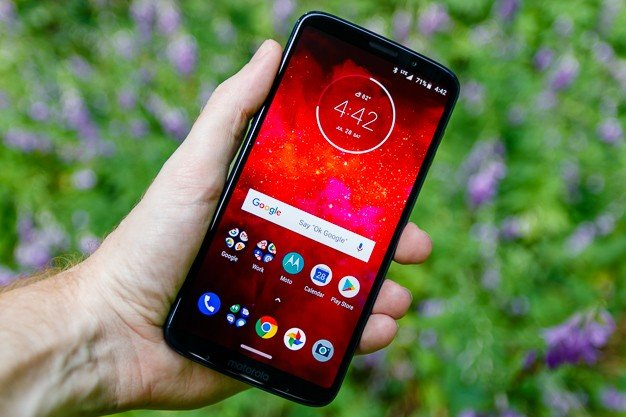 moto-z3-play-review-1