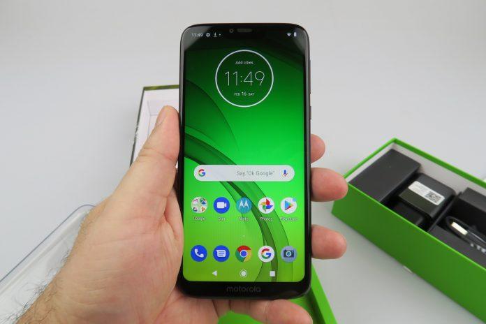 Motorola-Moto-G7-Power 015-696x464