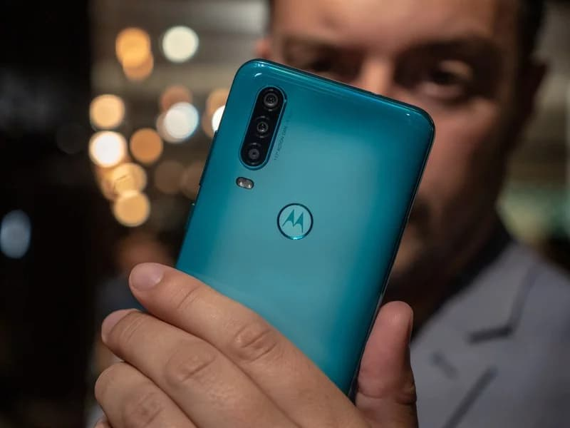 motorola one action aquamarine